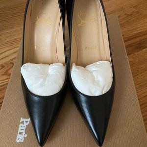 christian louboutin apostrophy pointed toe pump
